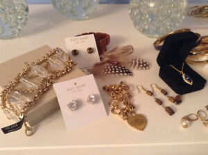 80+ pieces of various kinds of jewelry