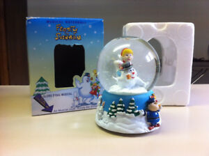 Musical Frosty the Snowman snow globe