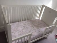White Oeuf Sparrow Cot with conversion kit and mattress and protector