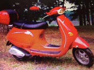 Vespa ET2 50cc, like new