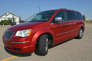 2009 CHRYSLER TOWN & COUNTRY LIMITED (Trually fully flly loaded)