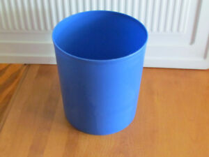 Small blue garbage can $3