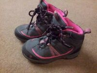 Girl's Gelert Boots - VGC - C10 (28)