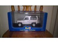 Revell Land Rover Defender 90 1:18 Die Cast Model