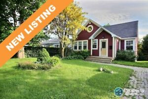 NEW LISTING! Many renos, large lot, 3 bed home