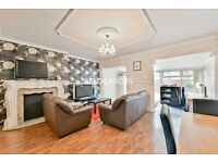 SPACIOUS 3 DOUBLE BEDROOM MAISONETTE WITH OFF STREET PARKING & REAR GARDEN