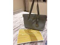 BRAND NEW Michael kors 'jetset' handbag in grey! Still in stock at £295 so grab a bargin at £90!!