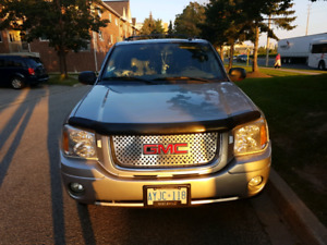selling 2004 gmc envoy slt edition as is