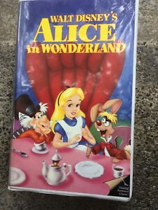 Disney Classics. Alice in Wonderland