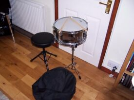 Snare drum, stand,stool and drum case