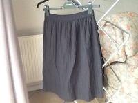 Topshop Black Pleated Midi Skirt Size 10