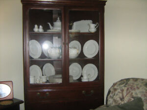 Dinning room china cabinet and hutch