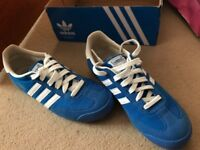 new womens adidas blue suede with white stripe trainers - size 5