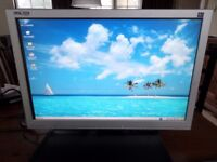 """Medion / ALDI 22"""" flat screen monitor. 1680 x 1050 resolution. Works but has a defect."""