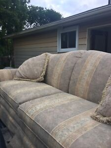 Pullout couch excellent condition