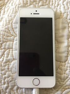 iPhone 5s almost new and need gone urgently