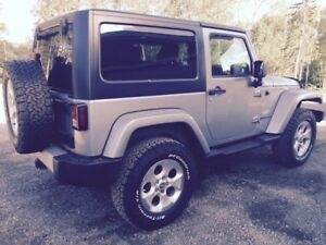 FLAWLESS NEW CONDITION...2013 Jeep Wrangler Sahara