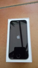 apple iphone 5s 16GB on EE network in full working order .