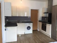 Modern Balcony Studio Bournemouth Town Centre Private Landlord Wifi Included Pets & Housing Benefit