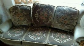 Traditional 3 pc suite free to collect