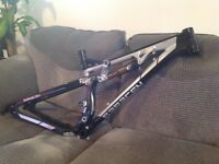 Saracen kili flyer X 27.5 / 650b full suspension mountain bike frame Cube trek giant Scott boardman