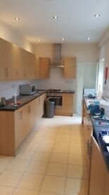 Small clean single room, all bills inclusive no deposit required 152mb+ wifi