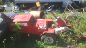 Toro grounds keeper riding mower with hydraulic lift