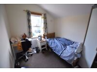 ***Medium size double room within a stones throw to Brunel University perfect for a student ***