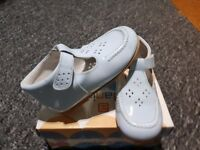 ANDANINES - Exquisite Designer Shoes - Size 6 (23 ) - AS NEW
