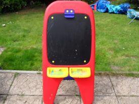 CRAYOLA ART/CHALK BOARD FOR KIDS
