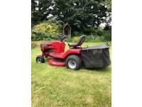 Lawnmower - Murray ride on tractor mower