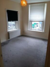 Live / Work Office Studio or Spacious 2 Bedroom Flat To Rent North Finchley N12