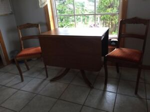 Duncan Phyfe table & 4 chairs