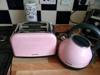 Breville toaster and kettle set pink