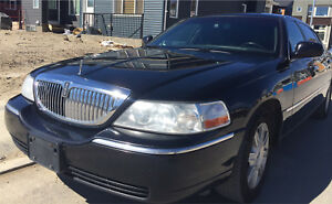 2009 Lincoln Town Car- Perfect for Uber