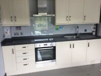 Howdens 3metre kitchen run.Little used.More units to match can be obtained from Howdens.