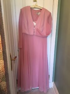 Plus size Alfred Sung Mother of the Bride / Groom Dress and coat
