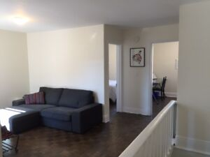 Lovely Two bedroom Apt Aug 1 Heat/Washer/Dryer/ Parking included