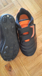 Size toddler 10 soccer cleets