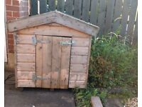 DOG KENNEL HOUSE TIN ROOF VERY GOOD CONDITION