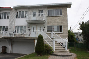 Newly renovated 5 1/2 upper duplex unit avail Sept 1 in Chomedey