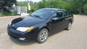 2004 Saturn Ion for sale, 210000km, asking $2600 OBO