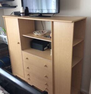 TV stand / Dresser