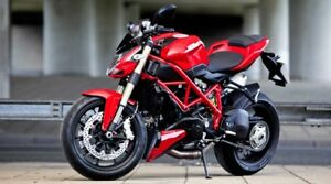 2014 DUCATI STREETFIGHTER 848 RARE RED LOW KM LIKE NEW MINT