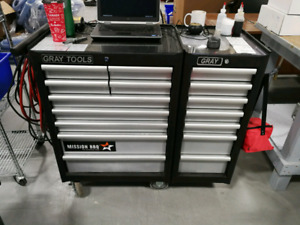 Great condition Gray tool rolling chest