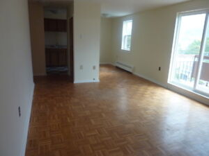 BEAUTIFULLY RENOVATED 2 BDRM HALIFAX'S WEST END . SEPTEMBER 1ST