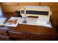 Collectors singer futura 2001 in darkwood unit, fully working order