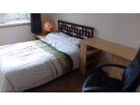 Rent and All Bills = £80pw (£344pcm) Beautiful Double Bedroom, central Gateshead location NE8 3HE.