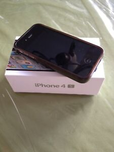 Black iPhone 4S with Roger  network 16 gigs