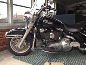 2004 Harley Road King Classic FLHRC-I (Fuel Injected)